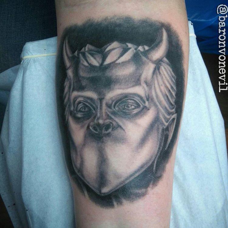 tumblr-tim-vonevil-at-evil-eye-tattoo-in-sockholm-sweden