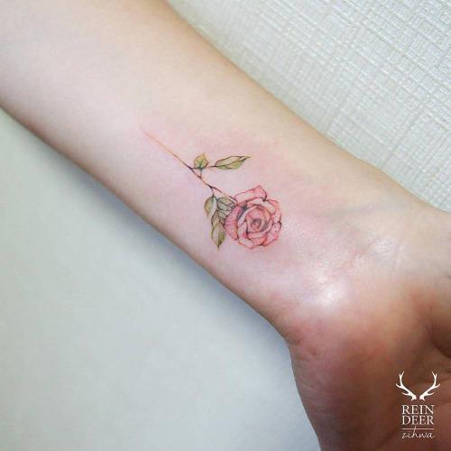 tumblr-zihwa-reindeer-tattoo-studio-seoul-south-korea