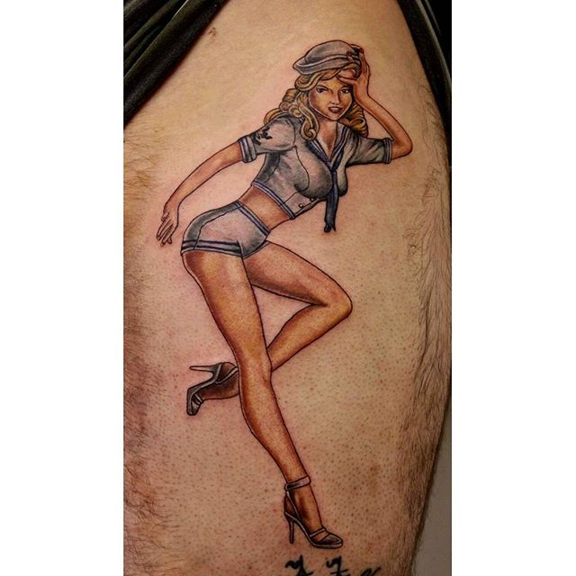 pin-up-luke-gould-at-skeleton-man-tattoo-in-oxford