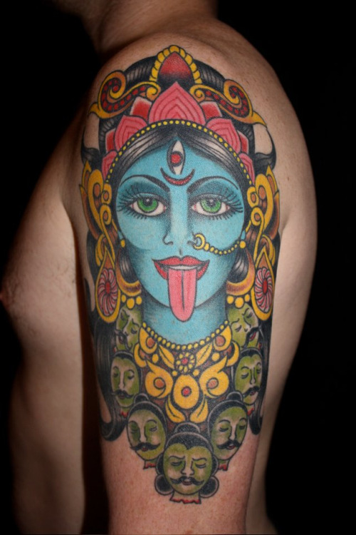 kali-lucy-at-into-you-tattoo-piercing