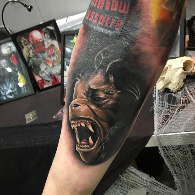 Joe K Worrall-HORROR ARTIST HORROR and portrait ARTIST🕳Horror nerd 🎃Horror collector🕳My family 👨‍👩‍👦‍👦Heart & arrow tattoo studio, U.K. american werewolf